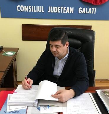 Spitalul Judetean din Galati va avea un aparat de testare care depisteaza noul coronavirus. Contractul a fost semnat de presedintele CJ