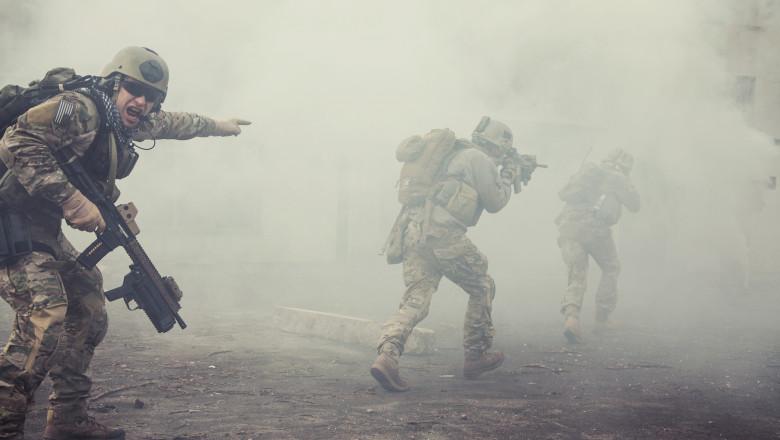 militari americani, în cadrul unor exerciții militare