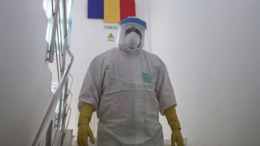 medic costum coronavirus ID134246_INQUAM_Photos_Octav_Ganea