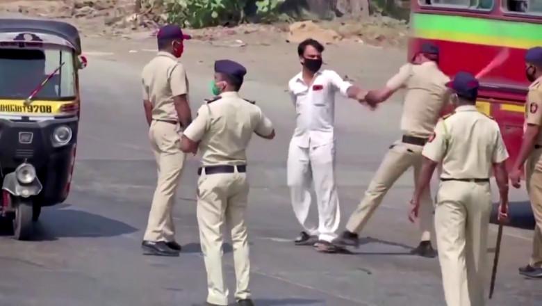 violenta-politisti-india-carantina
