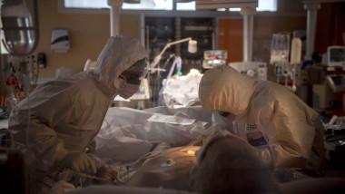 Un bărbat bolnav de Covid, pentru care nu s-a găsit loc la terapie intensivă, a murit