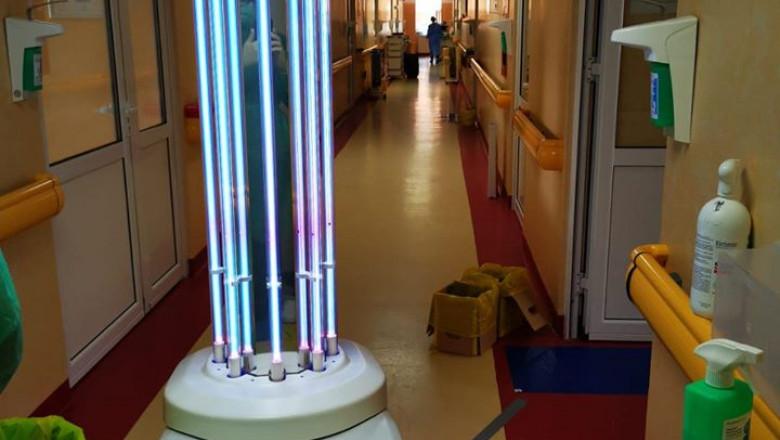 robot-ultraviolete-matei-bals (2)
