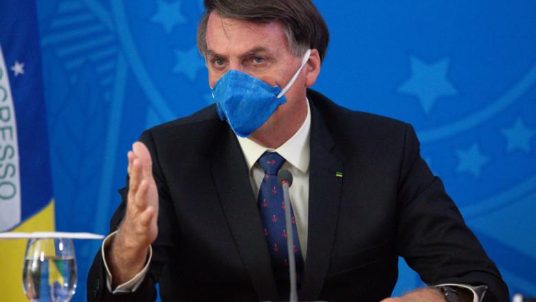Preşedintele brazilian Jair Bolsonaro le-a cerut compatrioţilor săi să economisească energia electrică