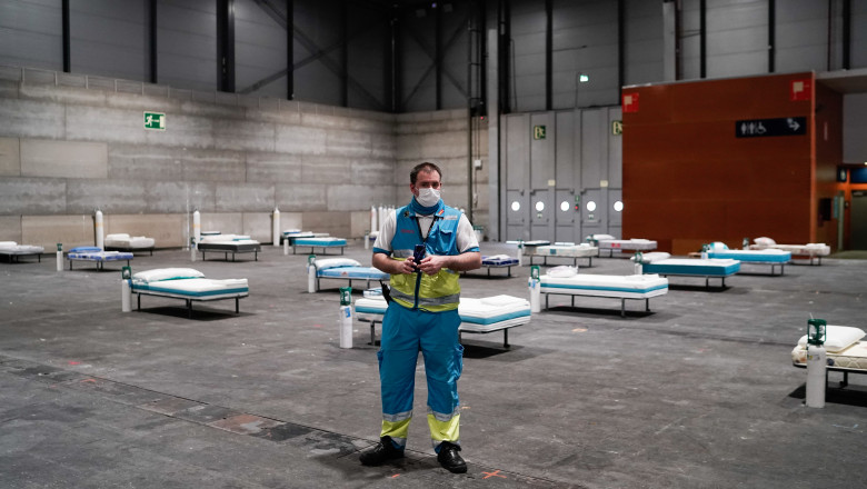 The Community Of Madrid Installs a Military Field Hospital In Ifema