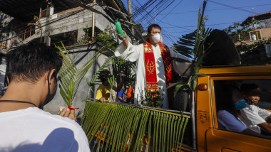 Palm Sunday amid coronavirus pandemic in Philippines