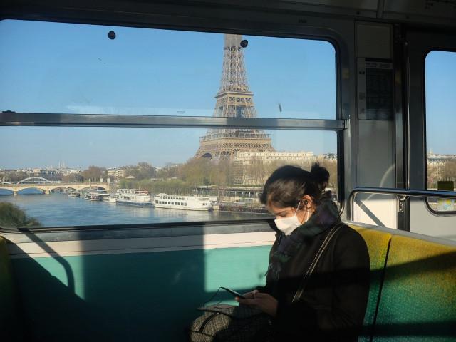 """Medic specialist francez: """"Trebuie să ne pregătim să trăim cu acest virus. Sfârşitul izolării nu va fi sfârşitul pandemiei"""""""
