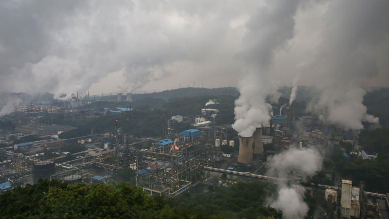 profimedia poluare industrială aer emisii gaze