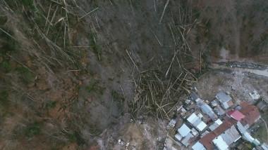 alunecare-teren-versant-azuga