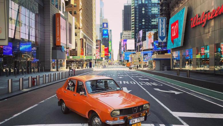 Imagini virale: Cu Dacia 1300 la plimbare prin centrul New York-ului pustiit de pandemie