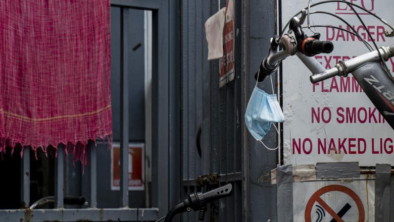 Singapore Imposes Partial Shutdown To Contain Spread Of The Coronavirus