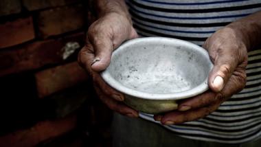 foamete saracie farfurie goala