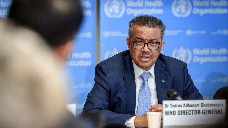 Tedros Adhanom Ghebreyesus, șeful OMS, sustinand o conferinta de presa
