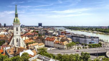 Slovacia este prima ţară din lume care testează în masă