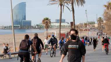 profimedia-spania barcelona alergare alergatori biciclisti