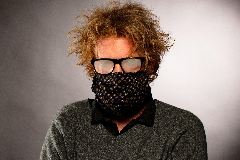 Cum sa eviti aburirea ochelarilor cand porti masca
