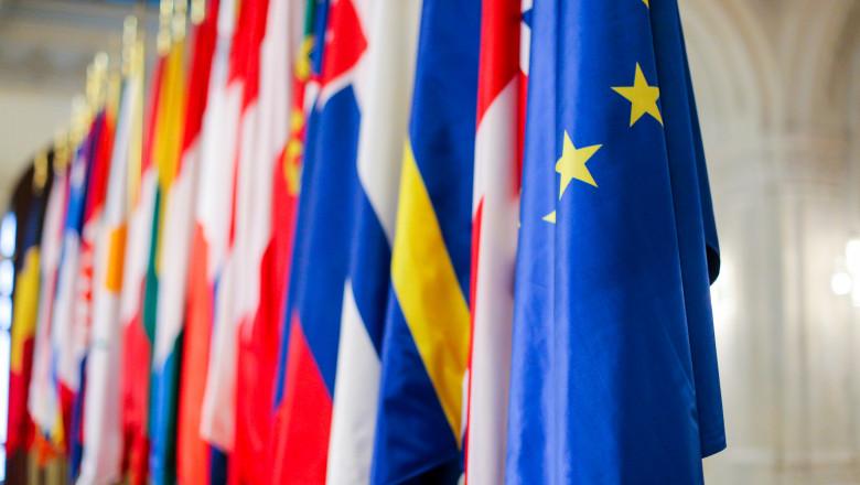 Pe 9 mai, în fiecare an, România celebrează Ziua Europei, zi dedicată păcii și unității europene. Data marchează ziua istorică în care a fost pronunțată declarația Schuman. În cadrul unui discurs ținut la Paris, în 1950, ministrul francez al afacerilor externe de atunci, Robert Schuman, propunea stabilirea unei noi forme de cooperare politică în Europa, care să înlăture pentru totdeauna posibilitatea izbucnirii unui nou război între națiunile Europei.