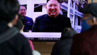 Primele imagini cu liderul de la Phenian, Kim Jong-un, după o absență de 20 de zile