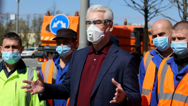 Moscow Mayor Sobyanin meets with drivers of street washing vehicles