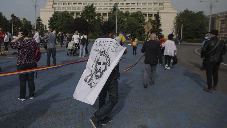 protest victoriei covid antivacinisti jesus ID_01_PROTEST_COVID_INQUAM_Octav_Ganea