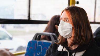 getty autobuz fata masca
