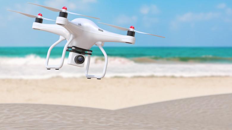 drona plaja vacanta