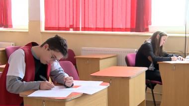 elevi scoala examen - captura