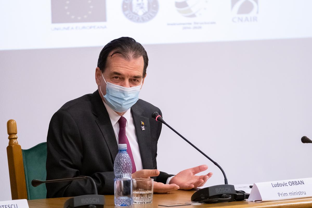 Prima reactie a lui Ludovic Orban la fotografia controversata in care el si cativa ministri fumeaza si beau alcool intr-un birou