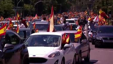 Proteste în Spania, convocate de extrema dreaptă, împotriva restricțiilor anti-COVID. Manifestanții au cerut demisia premierului
