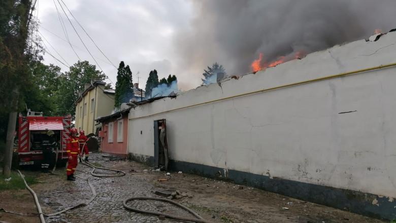 incendiu fabric iasi