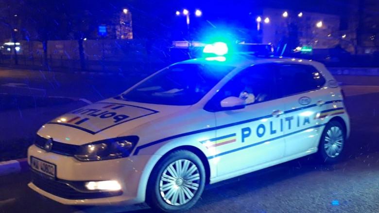 noapte-iarna-masina-politie-fb