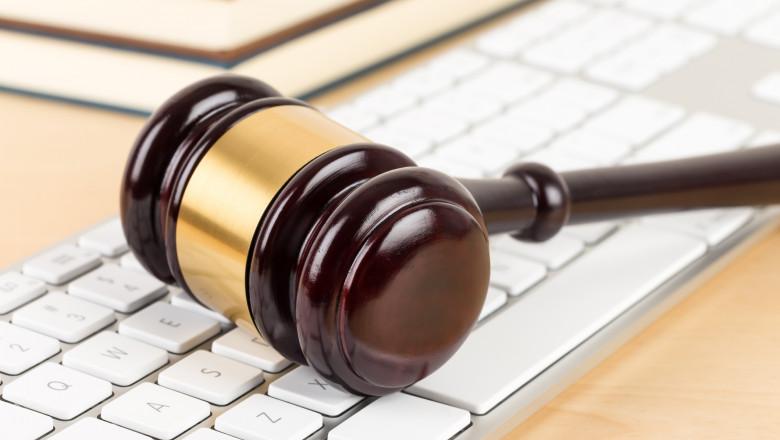 justitie, online