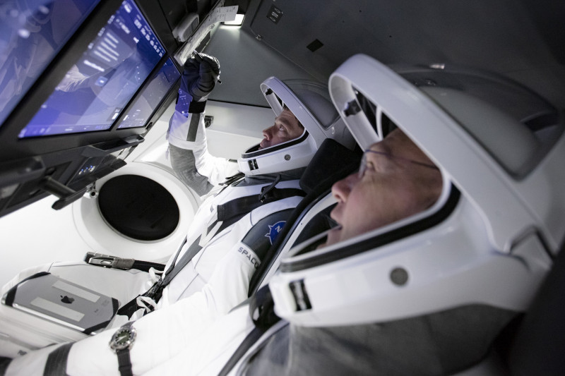 NASA, SpaceX Simulate Upcoming Crew Mission with Astronauts