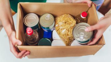 GettyImages pachet alimente hrana donatie