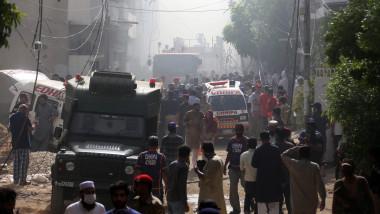 Momentul în care avionul cu 99 de persoane la bord s-a prăbușit în sudul Pakistanului