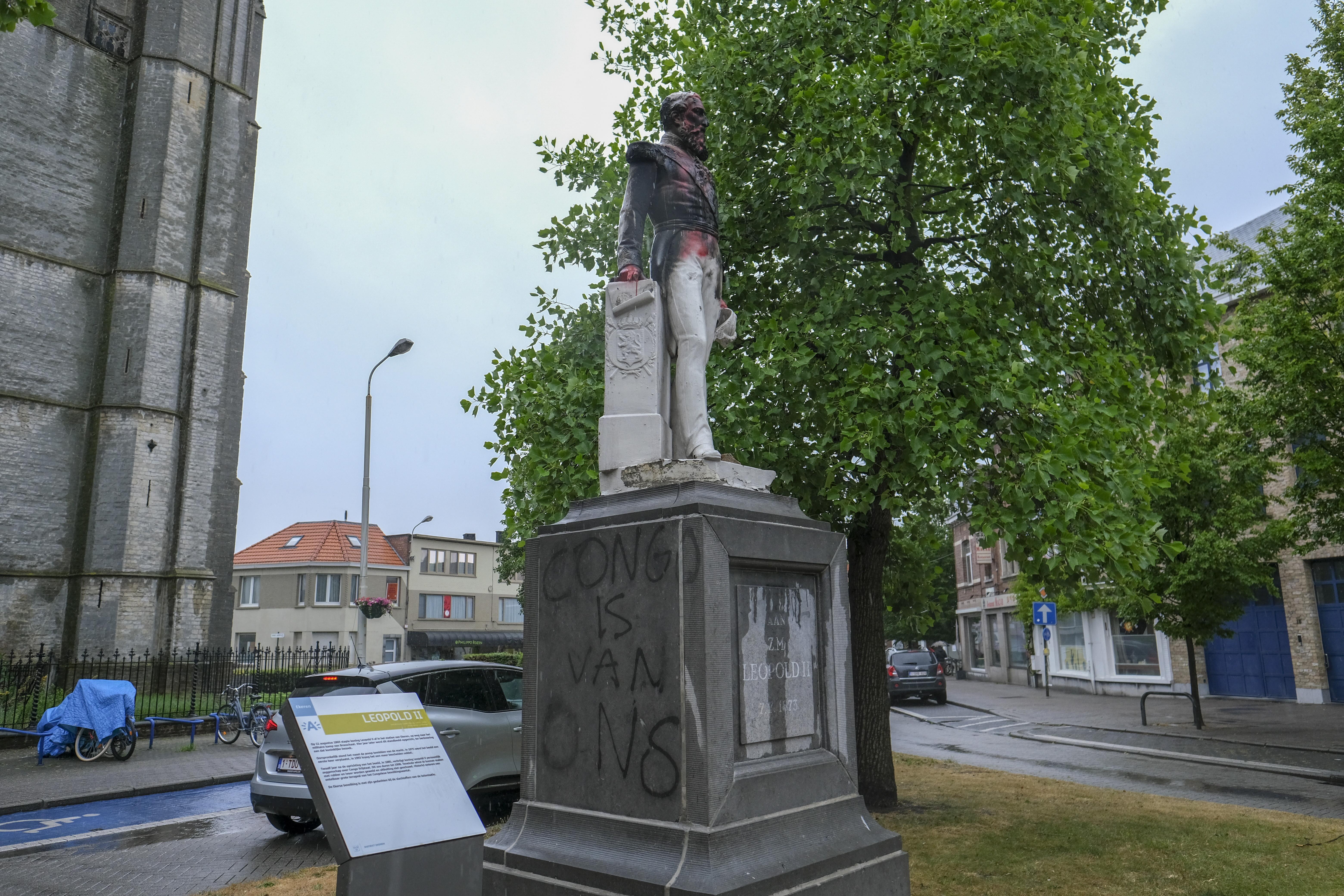 O statuie a fostului rege Leopold al II-lea, înlăturată dintr-un scuar din Anvers