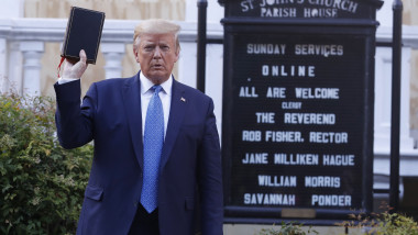 Trump Visits St. John's Church, Washington, District of Columbia, USA - 01 Jun 2020