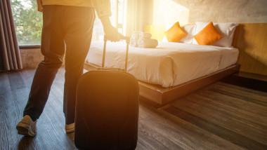 În premieră pentru industria HoReCa, turiștii care vor să se cazeze în hoteluri vor fi testați la intrarea în unitățile de cazare.