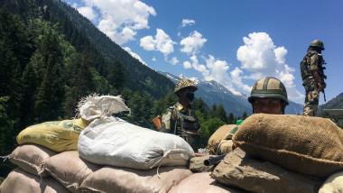militari indieni la granița India China