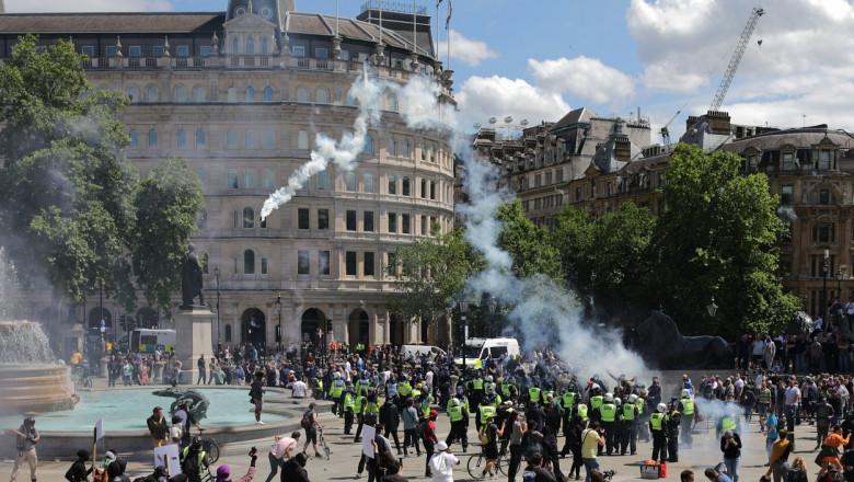Ciocniri violente între poliție și activiștii de extremă dreapta, în Londra, în timpul protestelor anti-rasism