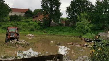 Inundatiile au facut ravagii in mai multe localitati din Hunedoara
