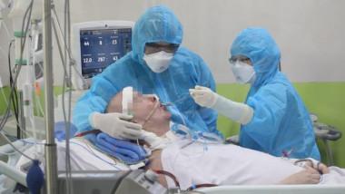 Medicii din Vietnam au salvat mai multi pacienti cu COVID-19