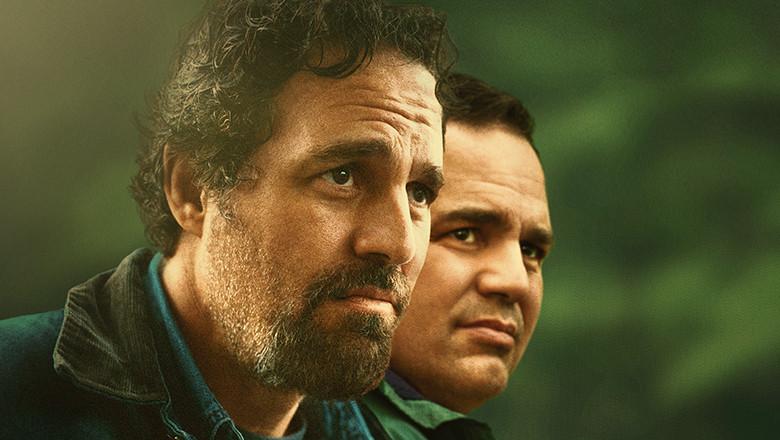 Afișul serialului O parte de adevăr, difuzat de HBO în România, cu Mark Ruffalo în dublu rol