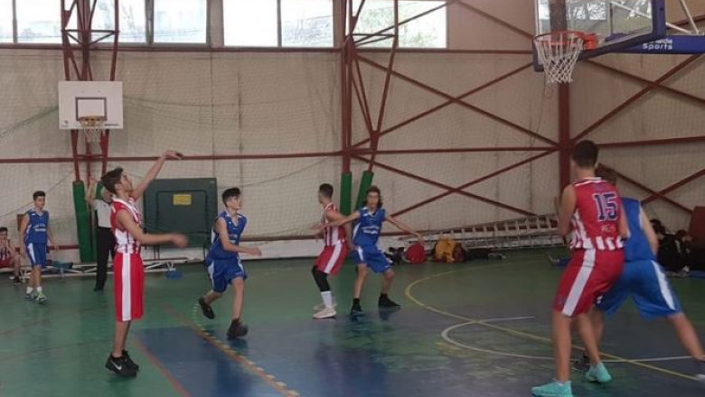 elevi baschet sport