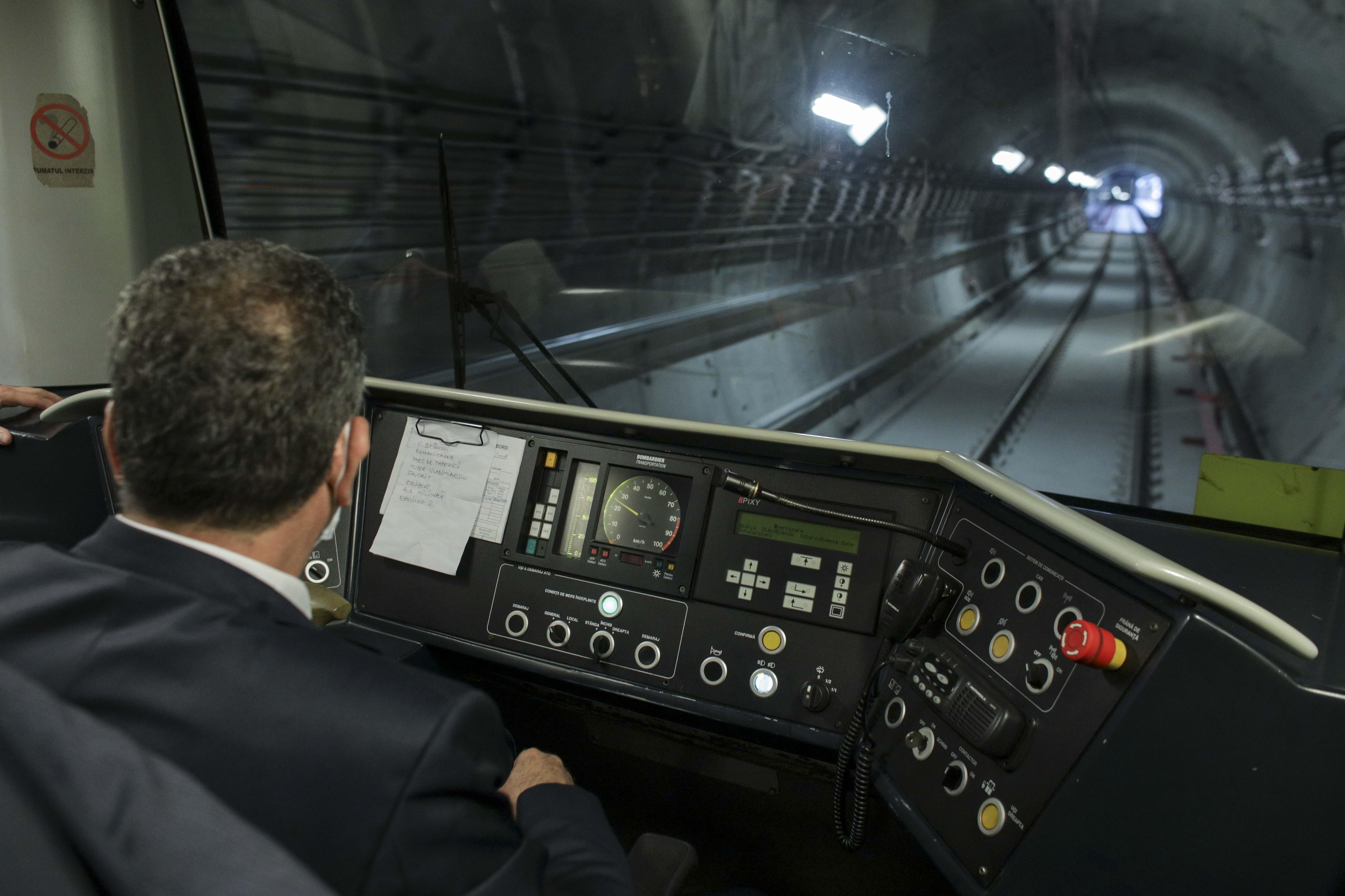 """Şeful Metrorex, intrebat daca metroul din Drumul Taberei va circula in septembrie: """"Vom vedea"""". Predecesorul sau si-a dat demisia"""