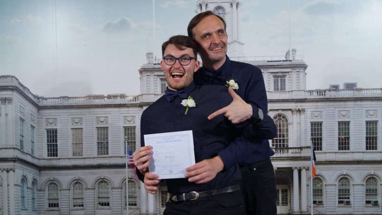 Rusia a recunoscut din greseala casatoria unui cuplu gay