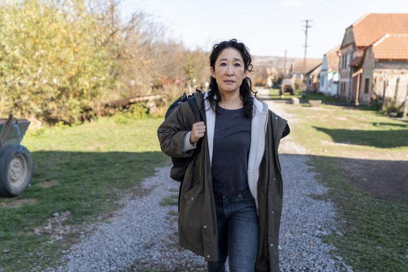 Sandra Oh, în rolul Evei Polastri din serialul Killing Eve (Obsesia Evei), difuzat în România de HBO
