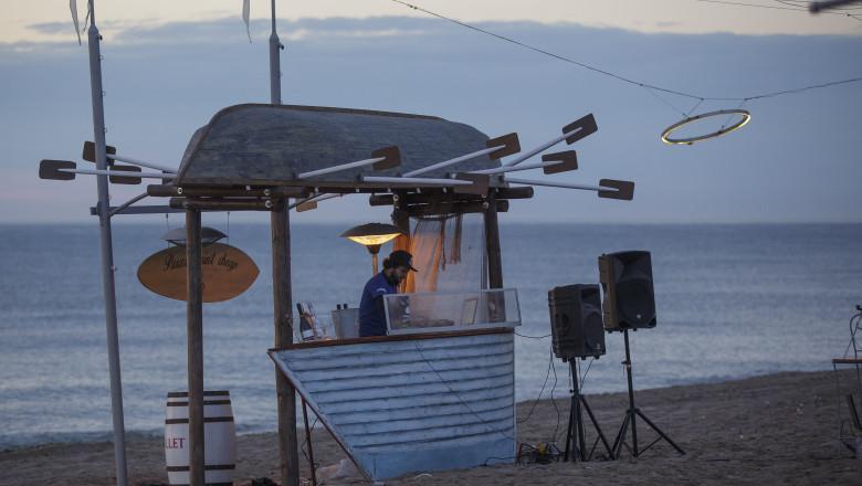 muzica pe plaja in vama veche