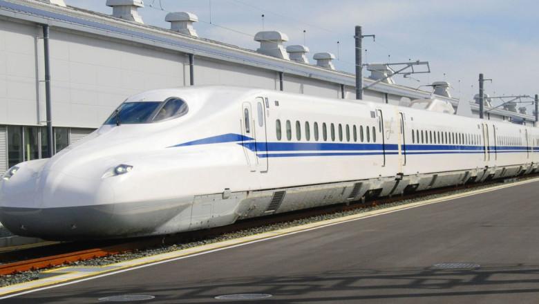 """Japonia a lansat """"trenul glonț"""", care poate transporta pasagerii în siguranță chiar și în timpul unui cutremur"""