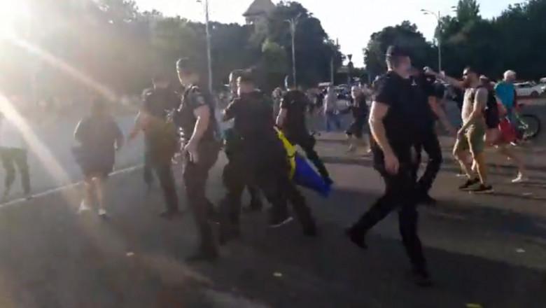 saltat-protest-anti-masti-piata-victoriei