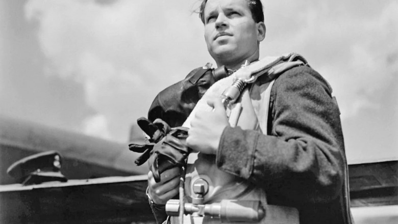 GUY GIBSON (1919-1944) RAF bomber pilot in May 1943